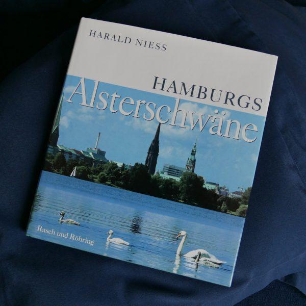 Hamburgs Alsterschwäne